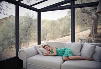 couch-furniture-girl-989088-nws8af9ni0i4u9izzs9wsa_162999f085106ee7fb1a2b45dc2a20bc